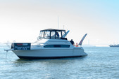 42 ft. Carver Yachts 380 Santego SE Cruiser Boat Rental New York Image 7