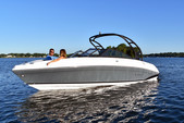 25 ft. Rinker Boats Q5 Ski And Wakeboard Boat Rental Rest of Northeast Image 2
