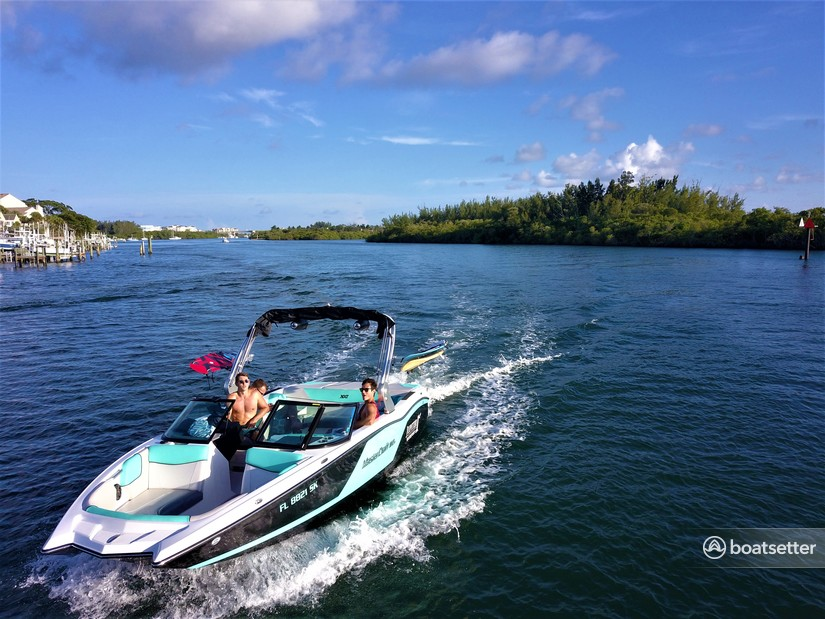 Rent a MasterCraft Boats bow rider in Jupiter, FL near me