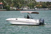 23 ft. NauticStar Boats 230DC Sport Deck w/F200TXR Deck Boat Boat Rental Miami Image 2