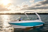 21 ft. Regal 21 OBX Cruiser Boat Rental Miami Image 8