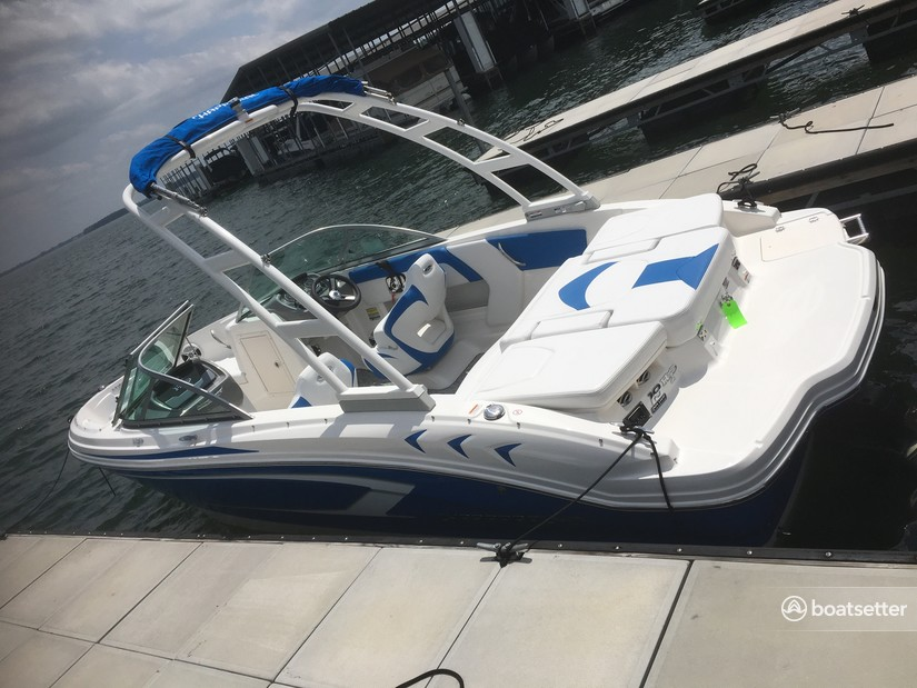 Rent a Chaparral Boats ski and_wakeboard in Charlotte, NC near me