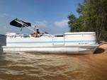 24 ft. Sundancer Pontoons 240 Majestic Pontoon Boat Rental Charlotte Image 3