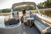 23 ft. Premier Marine 231 Cast-A-Way RE 2-Tube Pontoon Boat Rental N Texas Gulf Coast Image 2