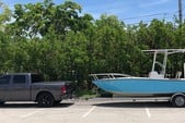 19 ft. Palm Beach by Marine Mfg. Whitecap 187 CC Center Console Boat Rental Miami Image 3