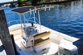 19 ft. Palm Beach by Marine Mfg. Whitecap 187 CC Center Console Boat Rental Miami Image 2