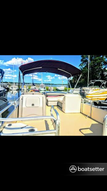 Rent a Godfrey Marine pontoon in Lockhart, FL near me