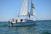 25 ft. MacGregor Yachts 25 Daysailer & Weekender Boat Rental Boston Image 3