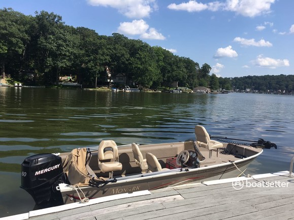 Rent a MonArk Marine aluminum fishing in Hopatcong, NJ near me