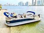 25 ft. Avalon Pontoons 24' Catalina Cruise Pontoon Boat Rental Miami Image 2