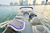 25 ft. Avalon Pontoons 24' Catalina Cruise Pontoon Boat Rental Miami Image 5