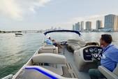 25 ft. Avalon Pontoons 24' Catalina Cruise Pontoon Boat Rental Miami Image 4