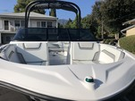 19 ft. Yamaha AR190  Jet Boat Boat Rental Los Angeles Image 7