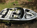20 ft. Four Winns Boats H190 RS  Bow Rider Boat Rental Chicago Image 3