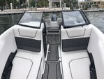 23 ft. Rinker Q3 Bow Rider Boat Rental Miami Image 14