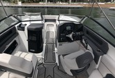 23 ft. Rinker Q3 Bow Rider Boat Rental Miami Image 20