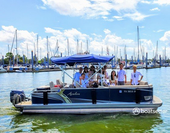 Rent a Avalon Pontoons pontoon in Clear Lake Shores, TX near me