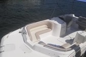 21 ft. Hurricane Boats SD 2100 Bow Rider Boat Rental West Palm Beach  Image 2
