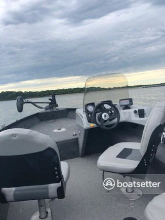 Rent a Tracker by Tracker Marine fish and ski in Normal, IL near me