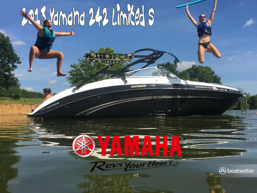 Rent a Yamaha jet boat in Louisville, KY near me