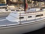 30 ft. Islander Bahama 30 Cruiser Boat Rental Los Angeles Image 2