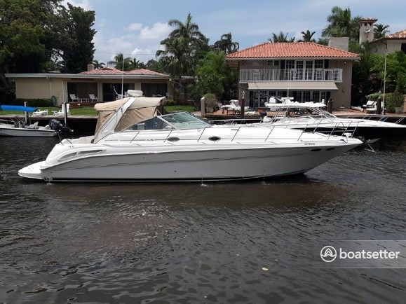 Rent a Sea Ray Boats motor yacht in Lewisville, TX near me
