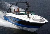 27 ft. Monterey Boats 264FSC Bow Rider Boat Rental Tampa Image 3