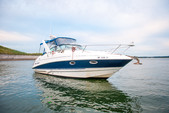 28 ft. Larson Boats 274 Cabrio Mid-Cabin Express Cruiser Boat Rental Boston Image 2