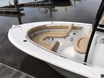 21 ft. Sportsman Boats Heritage 211 w/F150XA Yamaha Center Console Boat Rental Charleston Image 2