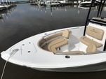 21 ft. Sportsman Boats Heritage 211 w/F150XA Yamaha Center Console Boat Rental Charleston Image 1