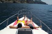 28 ft. ATLANTIS GOBBI 25 CABIN YACHT Cruiser Boat Rental Capri Image 18