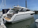 35 ft. Sealine Boats S-34 Cruiser Boat Rental Chicago Image 4