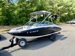 19 ft. Yamaha AR190  Bow Rider Boat Rental Charlotte Image 3