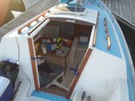 22 ft. Catalina 22 Swing Keel Daysailer & Weekender Boat Rental San Francisco Image 8