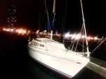 27 ft. Catalina 27 Cruiser Boat Rental Chicago Image 3