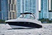 37 ft. Four Winns Boats V358 Vista Cruiser Boat Rental Miami Image 1