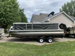 21 ft. Sylvan Marine 820 Mirage Cruise Pontoon Boat Rental Minneapolis Image 3