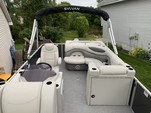 21 ft. Sylvan Marine 820 Mirage Cruise Pontoon Boat Rental Minneapolis Image 6