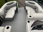 21 ft. Sylvan Marine 820 Mirage Cruise Pontoon Boat Rental Minneapolis Image 9