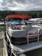 21 ft. Qwest Pontoons 820LS Cruise Pontoon Boat Rental New York Image 1