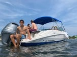 21 ft. Regal Boats 2100 Bow Rider Boat Rental Miami Image 20