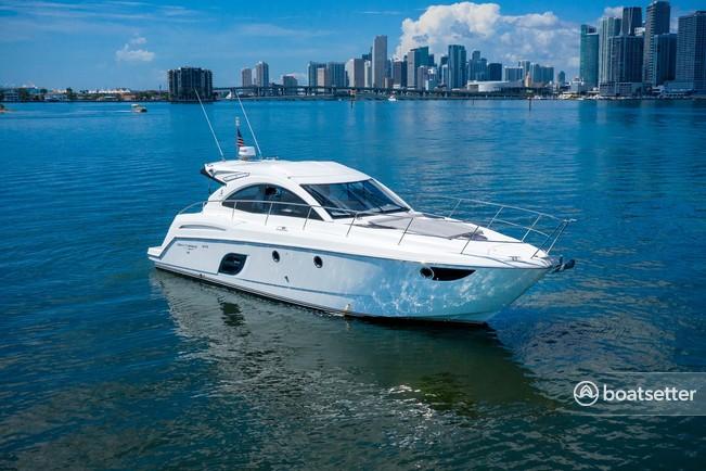 Rent a Beneteau USA cruiser in Miami, FL near me