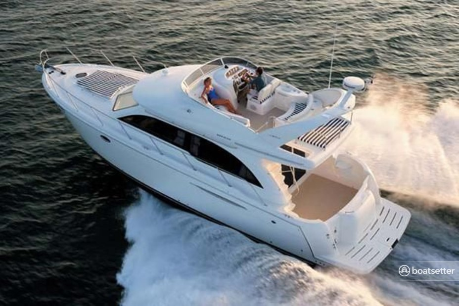 Rent a Meridian Yachts flybridge in Brooklyn, NY near me