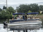 27 ft. Berkshire Pontoons 270CL Premium BP3 Tri-Tube Pontoon Boat Rental Jacksonville Image 4