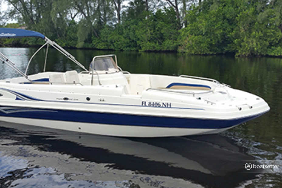 Rent a Hurricane Boats center console in Tampa, FL near me