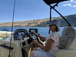 20 ft. Sun Chaser 2000 SD Pontoon Boat Rental Portland Image 7