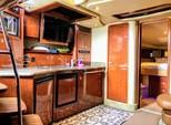 41 ft. 41' SeaRay Cruiser Boat Rental Miami Image 15