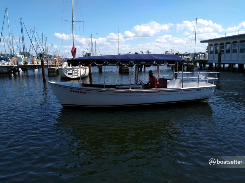 Rent a Duffy Electric Boats deck boat in St. Petersburg, FL near me