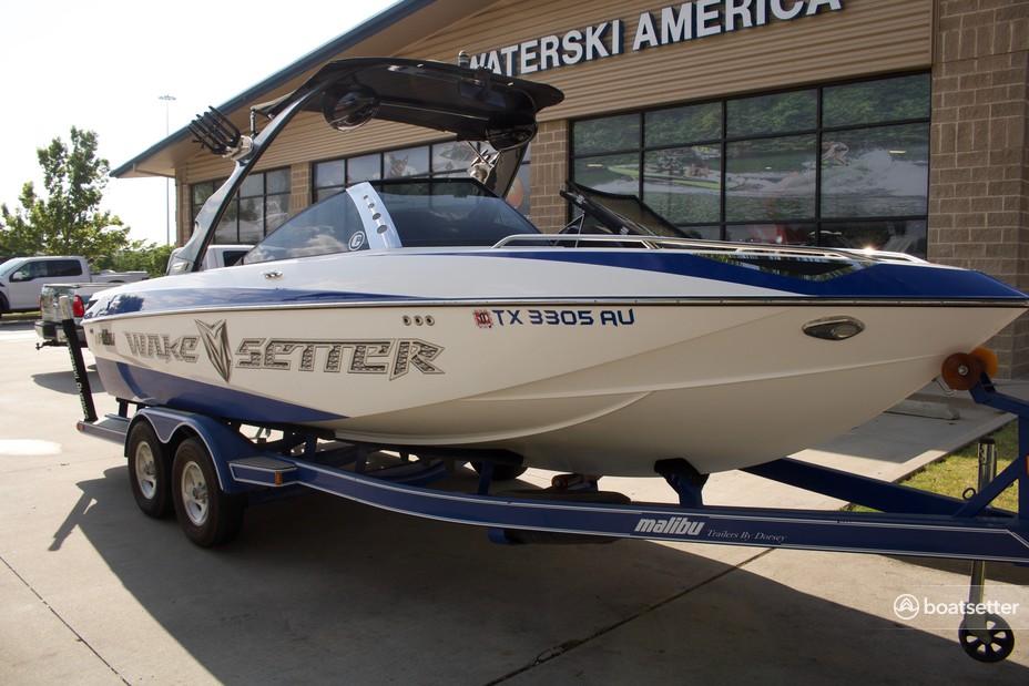 Rent a Malibu Boats ski and_wakeboard in Weatherford, TX near me