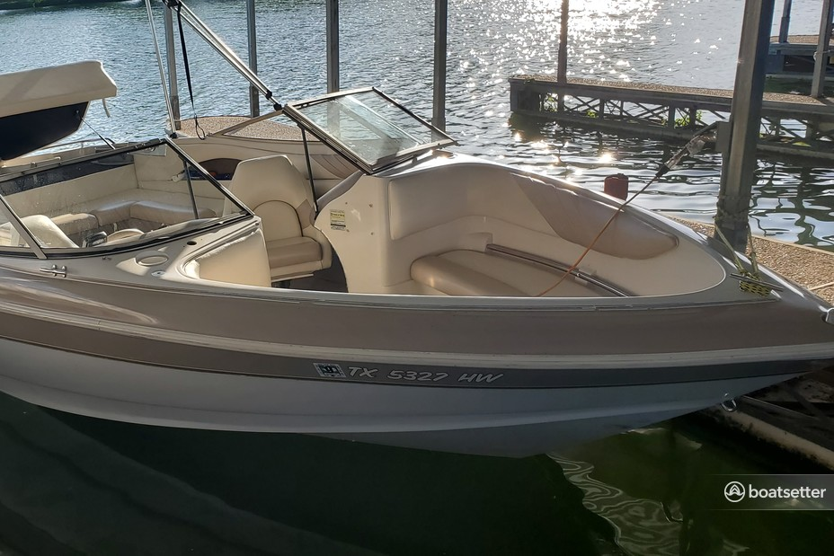 Rent a Larson Boats bow rider in Garland, TX near me